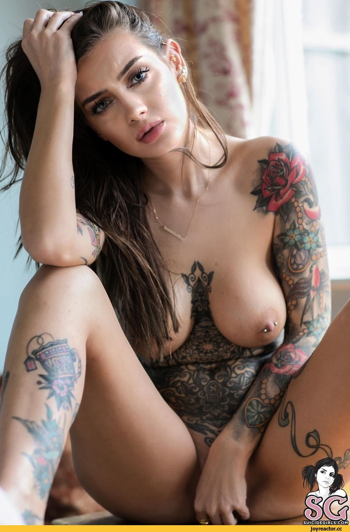 Kendal Schuler Hot Sexy Model Topless Tattoo On Boobs Dogfart Network 1